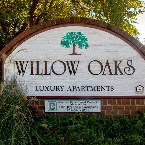 Willow Oaks Feat